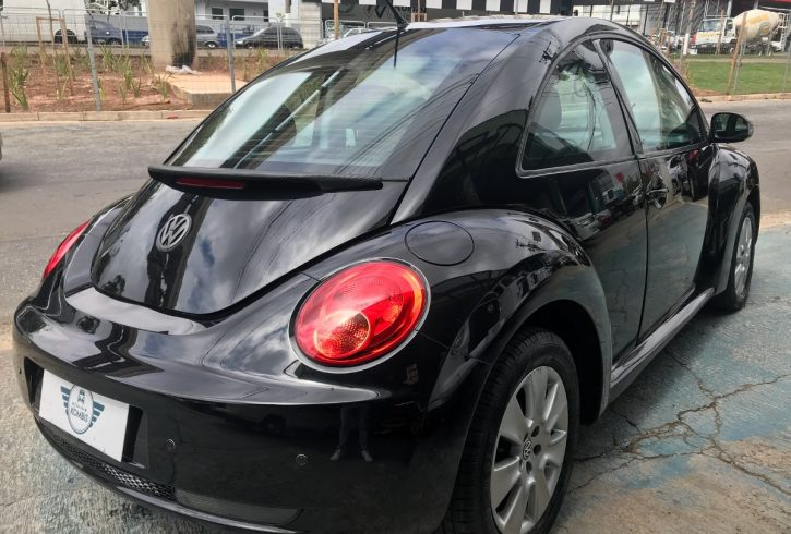 volkswagen-new-beetle-20-3p-automatica-D_NQ_NP_784520-MLB26475100780_122017-F