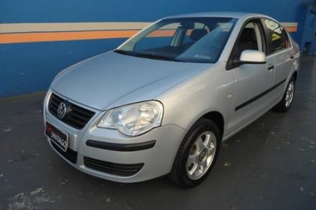 volkswagen-polo-sedan-16-vht-total-flex-4p-D_NQ_NP_888160-MLB25916668643_082017-O