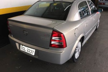 chevrolet-astra-sedan-20-elegance-flex-power-4p-2005-D_NQ_NP_698336-MLB26710475782_012018-O